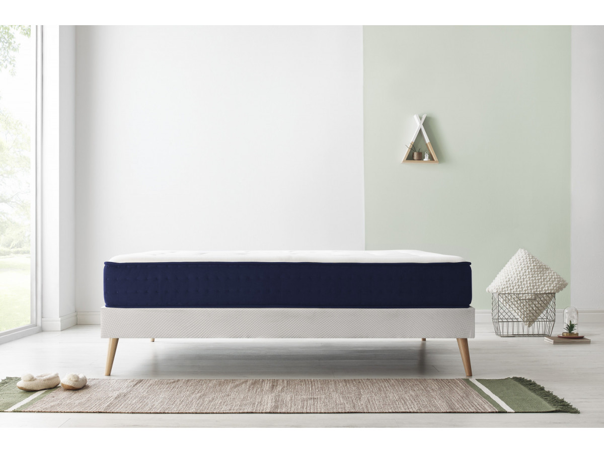 ensemble matelas sommier velours bobochic. Black Bedroom Furniture Sets. Home Design Ideas